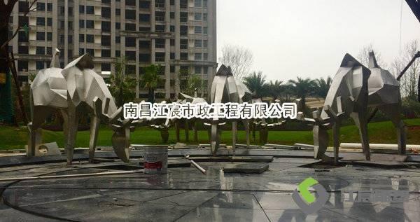 丰城金马地产广场动物造型不锈钢雕塑厂家案例