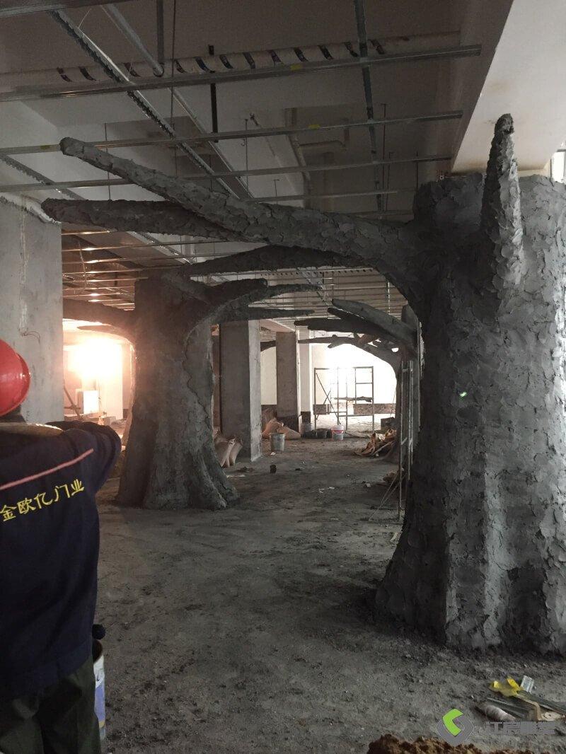 江西雕塑厂:丰城市鸿福千禧酒店景观水泥直塑案例