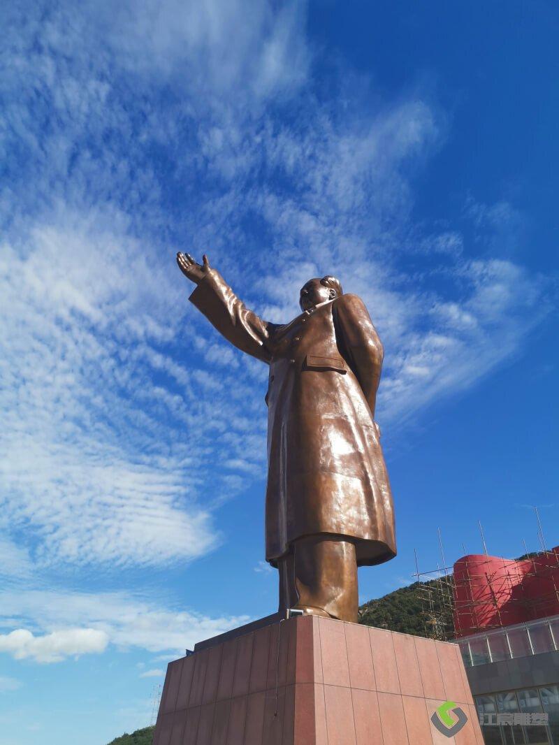 江西雕塑:连云港康缘药业水泥红旗雕塑案例