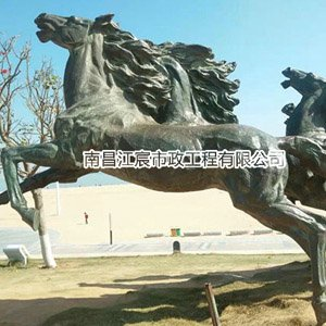 江西锻铜雕塑厂家:万马崩腾造型雕塑