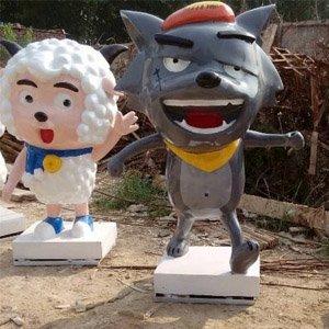 喜羊羊灰太狼-小熊维尼卡通人物玻璃钢雕塑