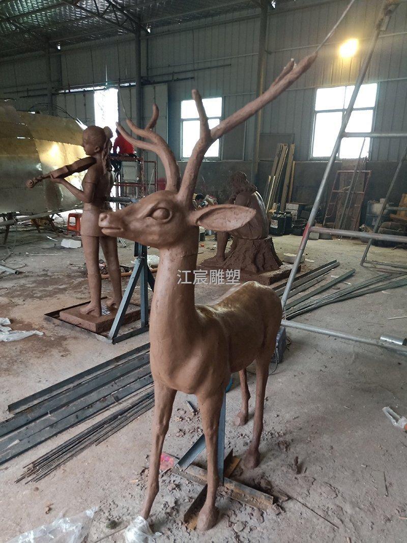 株洲绿地玻璃钢雕塑